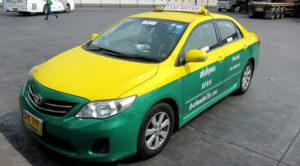僕が乗ったタクシーと同型だが、個人タクシーなので要質問