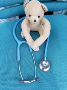 新人看護師が就職前に準備しておきたいアイテム1聴診器